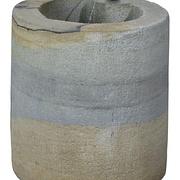 Zylinderbrunnen aus Sandstein mit Frosch