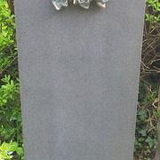 Stele aus Granit
