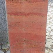 Einzelstein aus Travertin