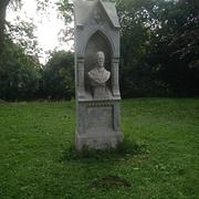 Büste von Anton Gottsleben aus seinem Grabmal