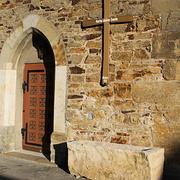 Pflanztrog vor der Kapelle in Klein Düngen